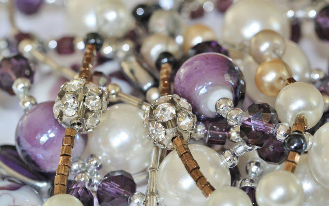 Czy ręcznie robienie biżuterii się opłaca?